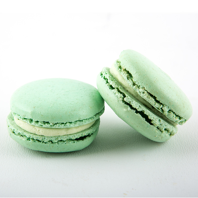 green-pistachio-macaron-small.jpg